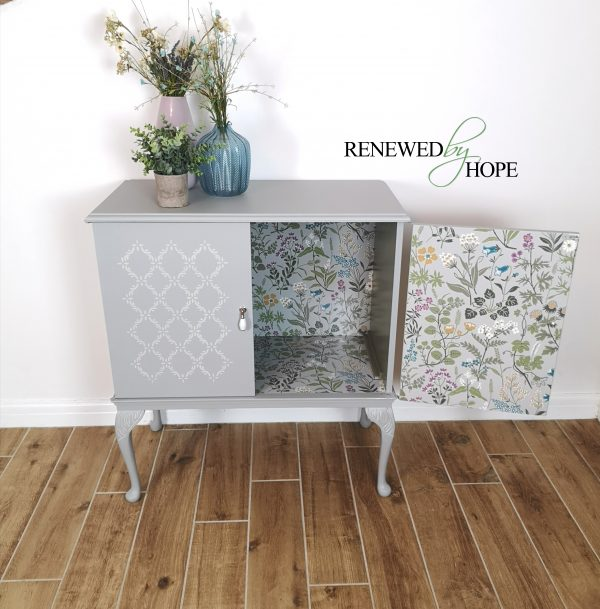 Grey stenciled drinks cabinet 2 scaled