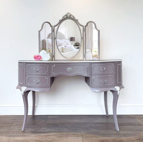 dressing table grey scaled