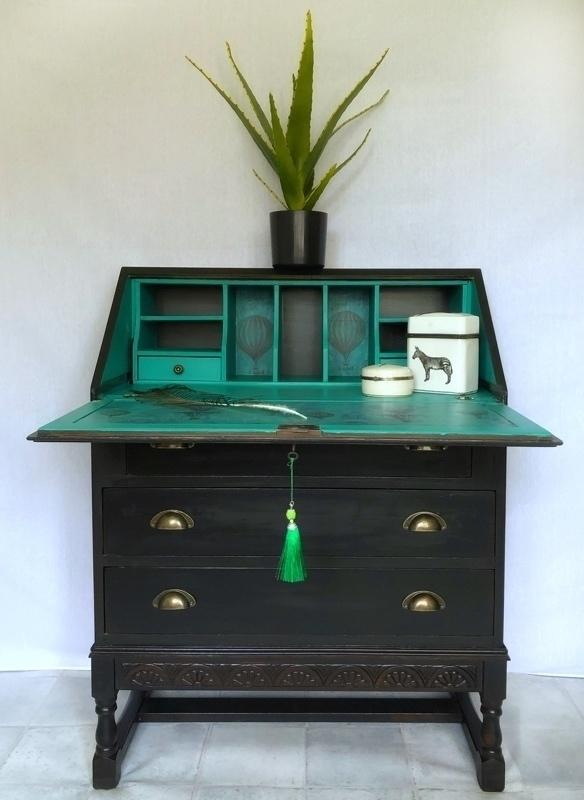 unique black green desk bureau 3affd392 e48e 4db1 97fd a71cf99928b2 0